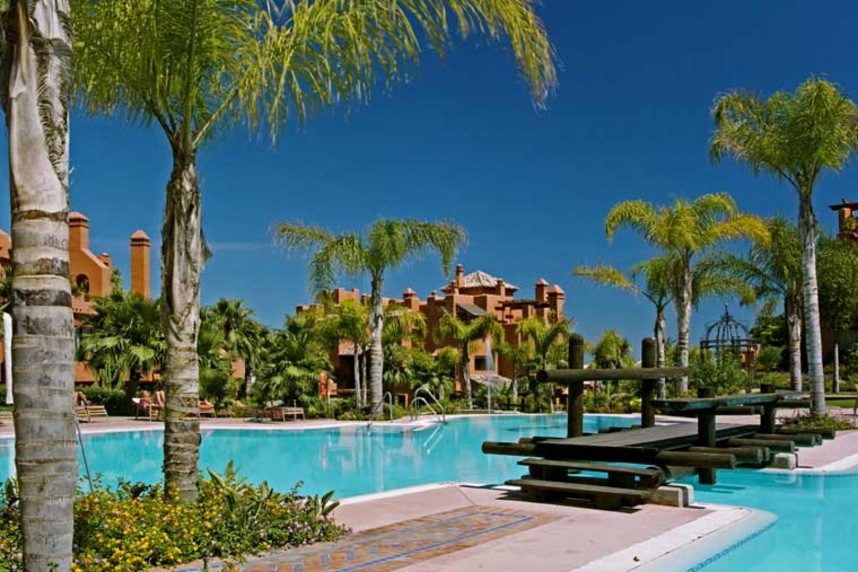 Alzambra Hills Club_Exteriores
